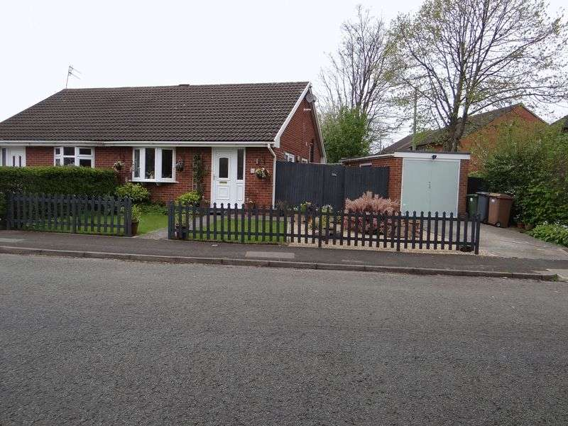 2 Bedrooms Semi Detached Bungalow for rent in Norwich Drive, Upton