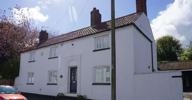 4 Bedrooms Detached House for sale in Northgate, Hunmanby, Scarborough, YO14 0NT