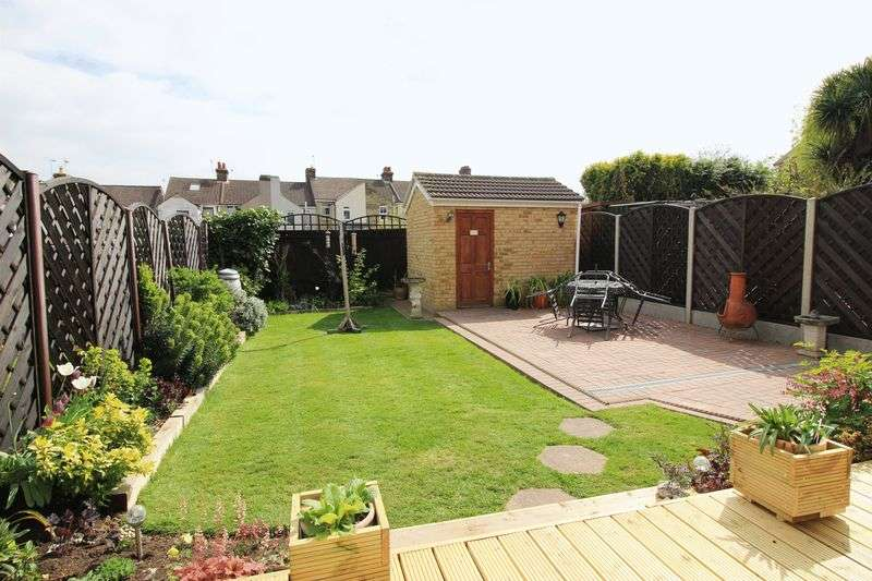 3 Bedrooms Semi Detached House for sale in Birling Road, Snodland