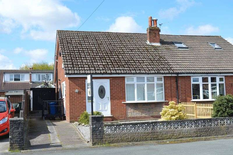 2 Bedrooms Semi Detached Bungalow for sale in Kenilworth Road, Lowton