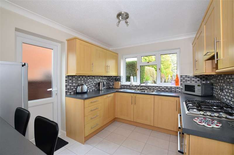 4 Bedrooms Detached House for sale in Linton Road, Loose, Maidstone, Kent