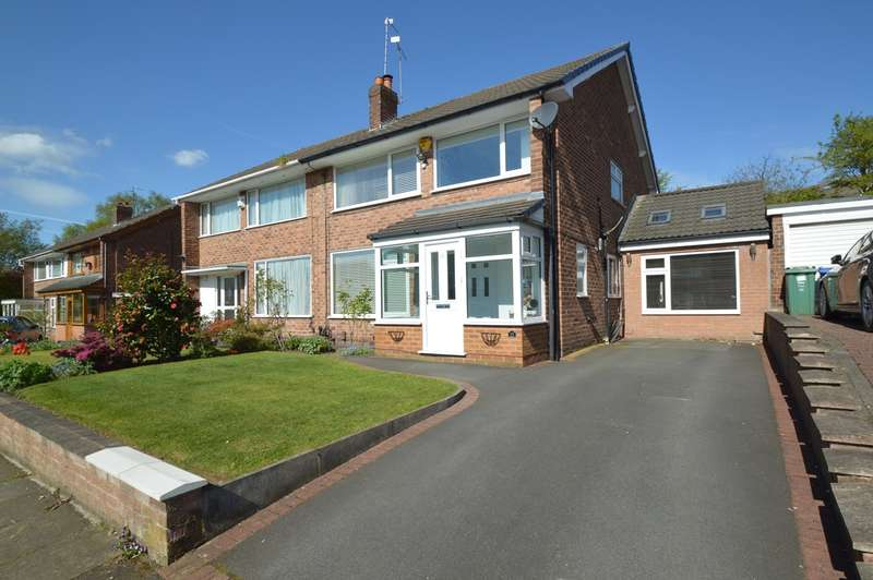 4 Bedrooms Semi Detached House for sale in Rochford Avenue, Whitefield, Manchester, M45