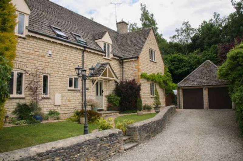 4 Bedrooms Detached House for sale in Cotswold Meadows, Great Rissington, Gloucestershire, GL54