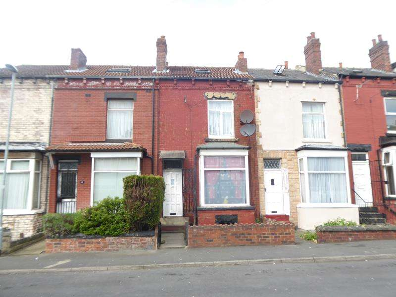 4 Bedrooms Terraced House for sale in Nowell Crescent, Harehills, LS9