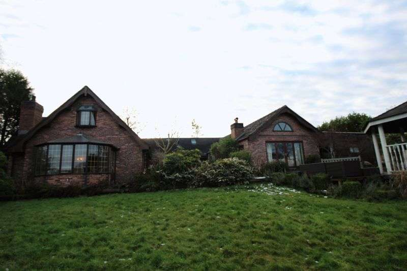 6 Bedrooms Detached House for sale in Meadowside, Knypersley