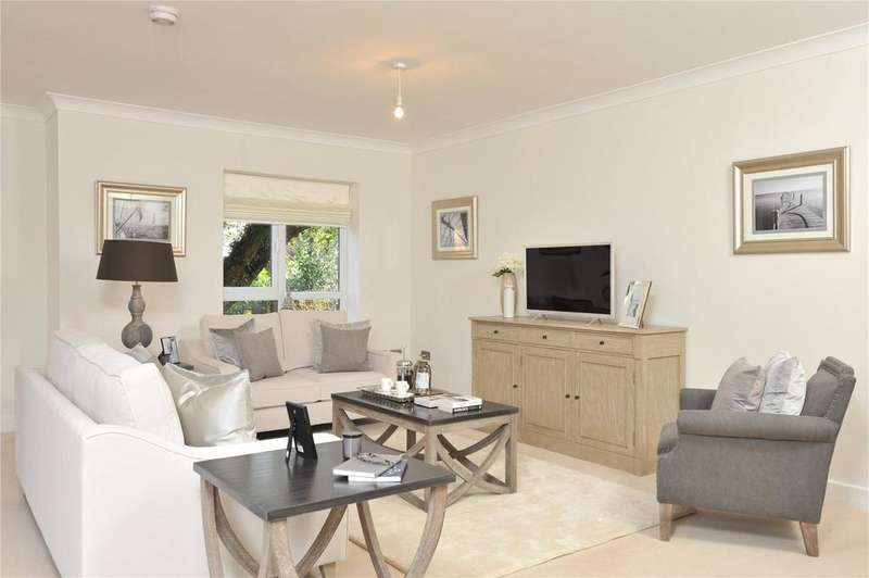2 Bedrooms Retirement Property for sale in Buller House, Millbrook Village, Topsham Road, Exeter, EX2