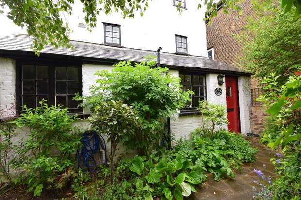 2 Bedrooms Cottage House for sale in The Embankment, Twickenham