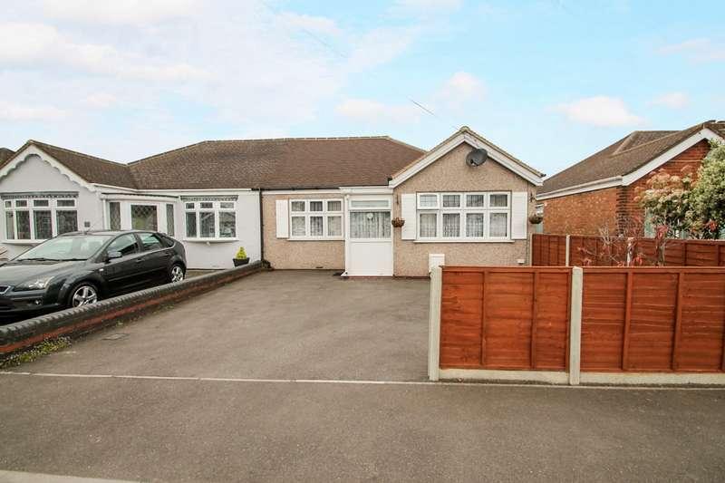 2 Bedrooms Detached Bungalow for sale in Celia Crescent, Ashford, TW15