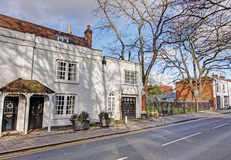 4 Bedrooms House for sale in West Street, Central Marlow