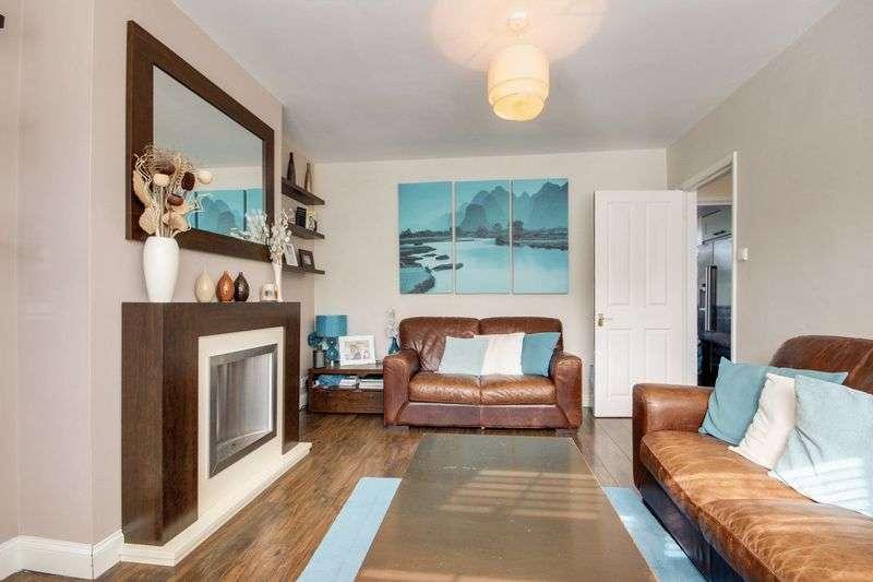 4 Bedrooms Terraced House for sale in Mackenzie Road, Beckenham