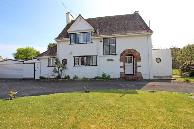 3 Bedrooms Detached House for sale in Whitby Road, Milford On Sea, Lymington