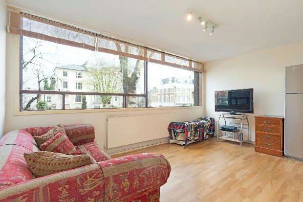 1 Bedroom Flat for sale in Romney Court, Haverstock Hill, Belsize Park, NW3