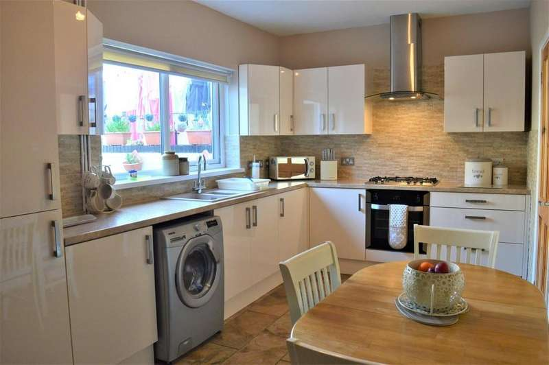 3 Bedrooms Terraced House for sale in William Street, Tir-Y-Berth