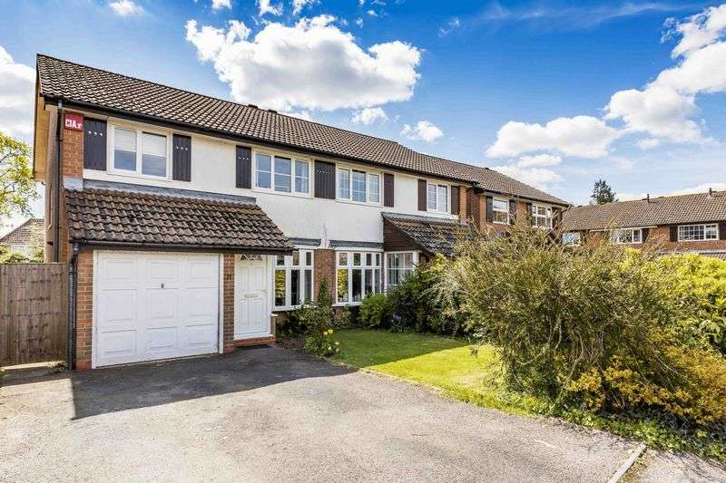 3 Bedrooms Semi Detached House for sale in Elderfield Close, Emsworth
