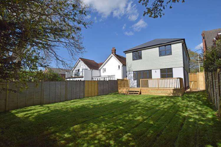 4 Bedrooms Detached House for sale in Everton Road, Hordle, Lymington SO41