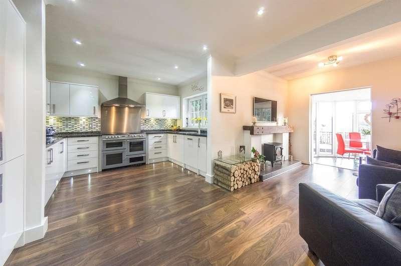 5 Bedrooms Detached House for sale in Westville, Abertysswg, Tredegar