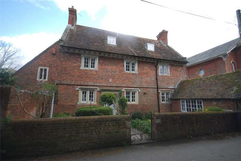 4 Bedrooms Detached House for sale in South Lane, Downton, Salisbury, Wiltshire, SP5