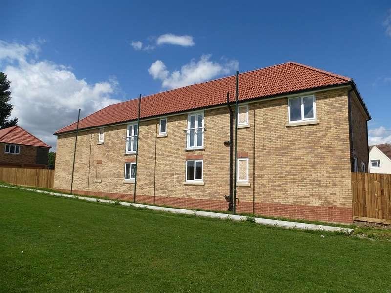 2 Bedrooms Flat for sale in Cricketfield Lane, Ramsey, Huntingdon, PE26 1BG
