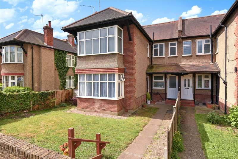 2 Bedrooms Maisonette Flat for sale in Wellington Road, Pinner, Middlesex, HA5
