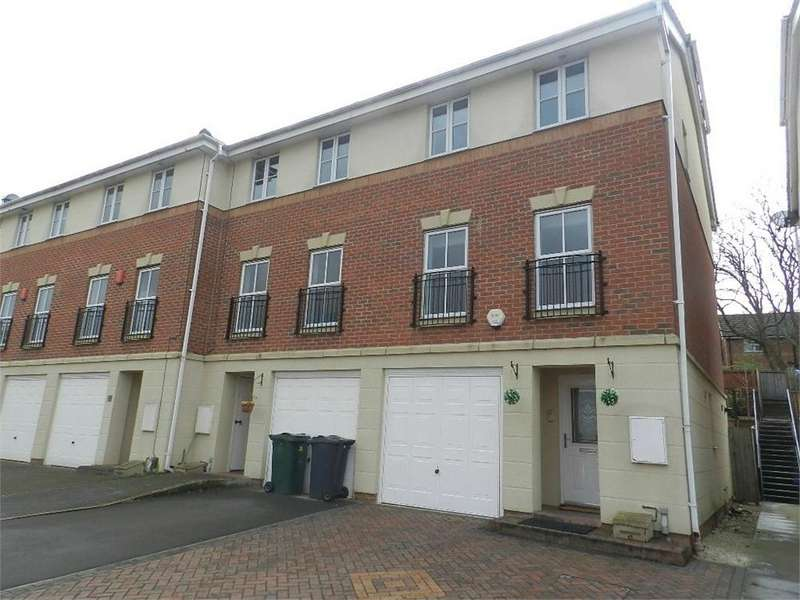 3 Bedrooms End Of Terrace House for sale in Dayhouse Court, Redbrook, Barnsley, South Yorkshire