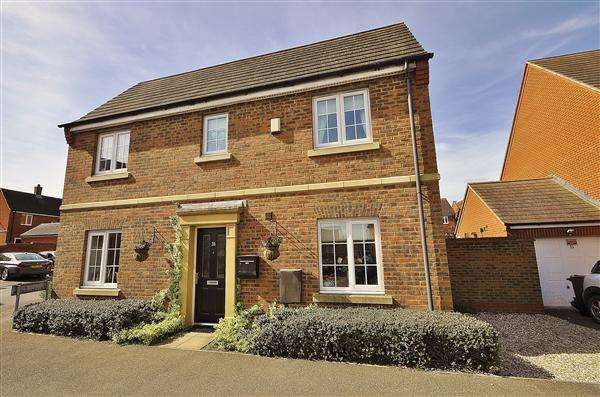 4 Bedrooms Link Detached House for sale in ASHFORD TN23