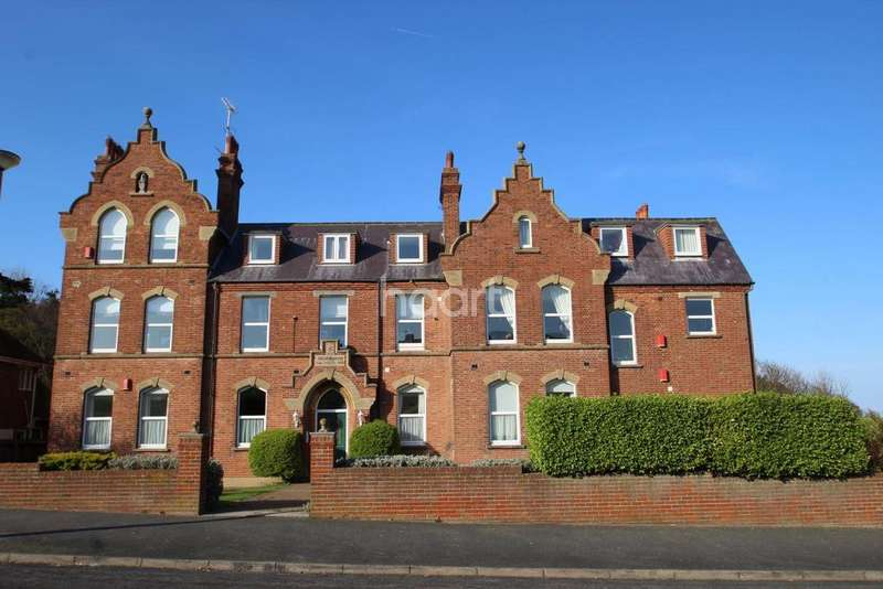 3 Bedrooms Flat for sale in Park Road, Broadstairs, CT10