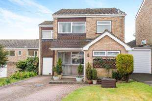 4 Bedrooms Detached House for sale in Grand View Avenue, Biggin Hill, Westerham, Kent