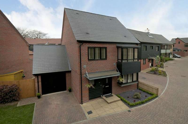 4 Bedrooms Detached House for sale in Bluegown Avenue, Leyborne Chase