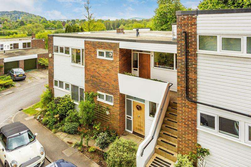 2 Bedrooms Apartment Flat for sale in The Meadows