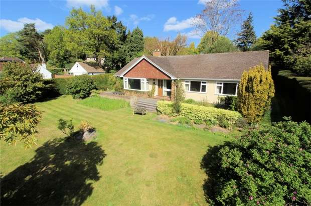 3 Bedrooms Detached Bungalow for sale in Woking, Surrey