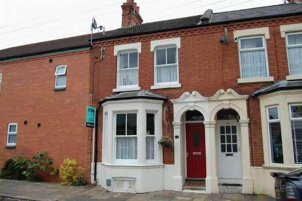 3 Bedrooms Terraced House for sale in Wycliffe Road, Abington, Northampton NN1 5JH