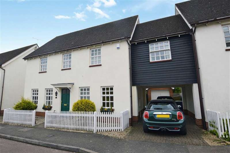 5 Bedrooms Property for sale in Tempest Mead, North Weald
