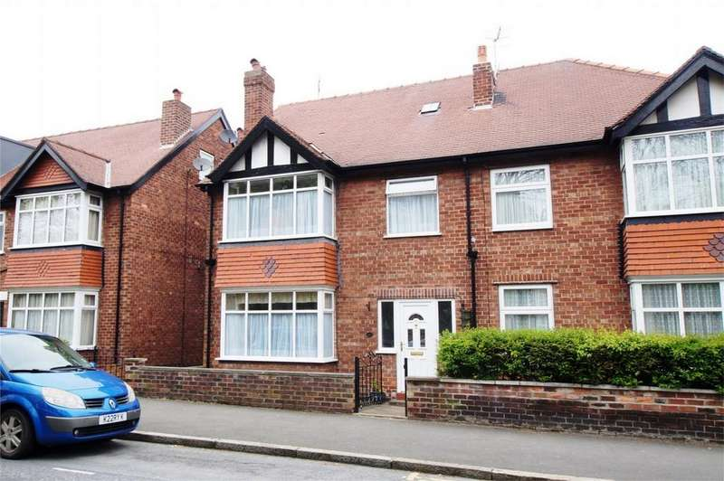 6 Bedrooms Semi Detached House for sale in Dean Road, Scarborough