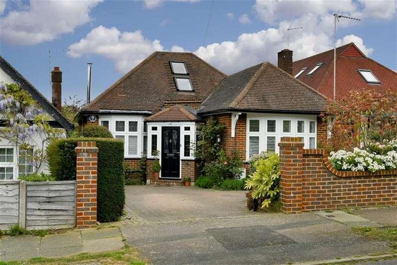 3 Bedrooms Detached Bungalow for sale in Chapel Way, Epsom, Surrey