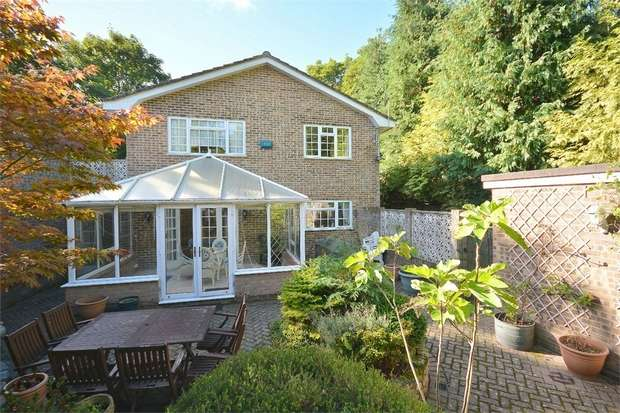 4 Bedrooms Detached House for sale in St Valerie Road, Meyrick Park, Bournemouth