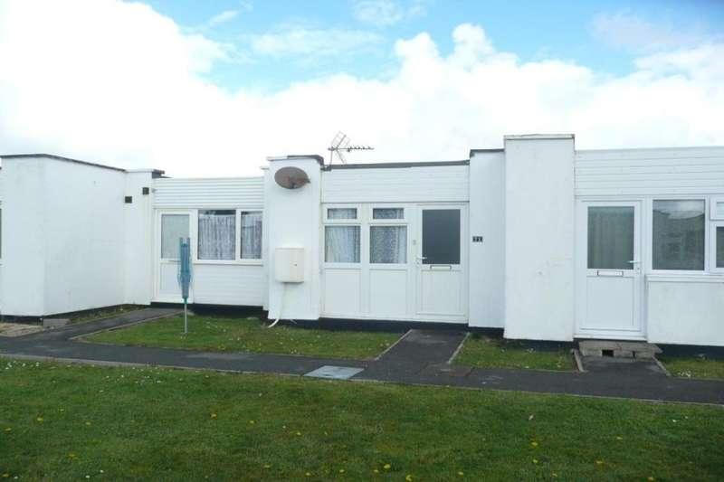 1 Bedroom Flat for sale in Jelbert Way, Eastern Green, Penzance, TR18