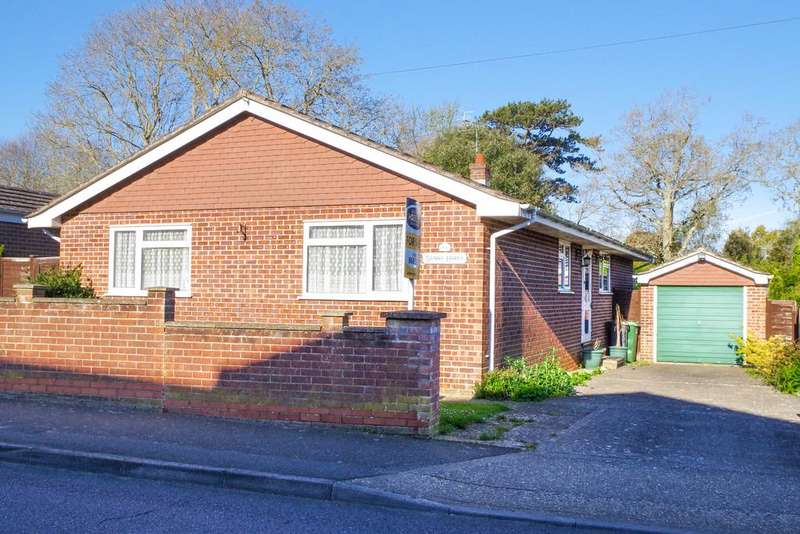 3 Bedrooms Detached Bungalow for sale in Sandy lane, Shanklin PO37