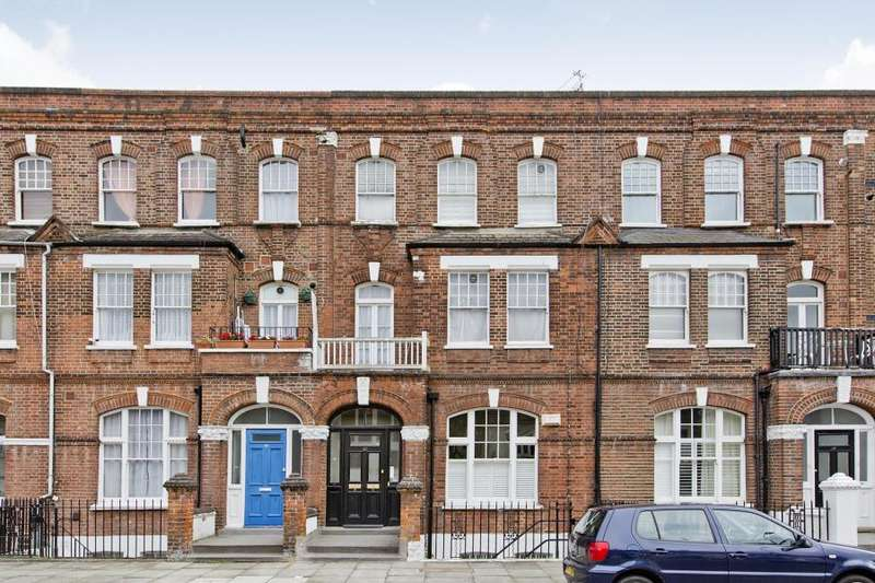 3 Bedrooms Apartment Flat for sale in Barton Road, Barons Court, W14