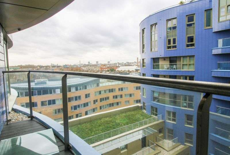 1 Bedroom Flat for sale in Gillespie Court, Queensland Terrace, Islington, N7