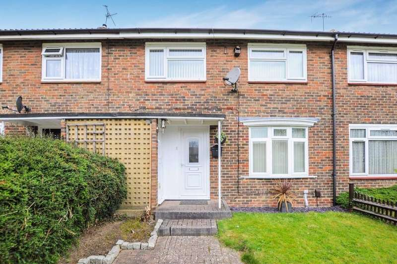 3 Bedrooms Terraced House for sale in Loveletts, Gossops Green
