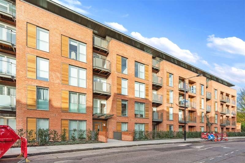 3 Bedrooms Flat for sale in Beaufort Court, 65 Maygrove Road, West Hampstead