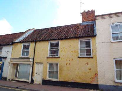4 Bedrooms Terraced House for sale in Fakenham, Norfolk