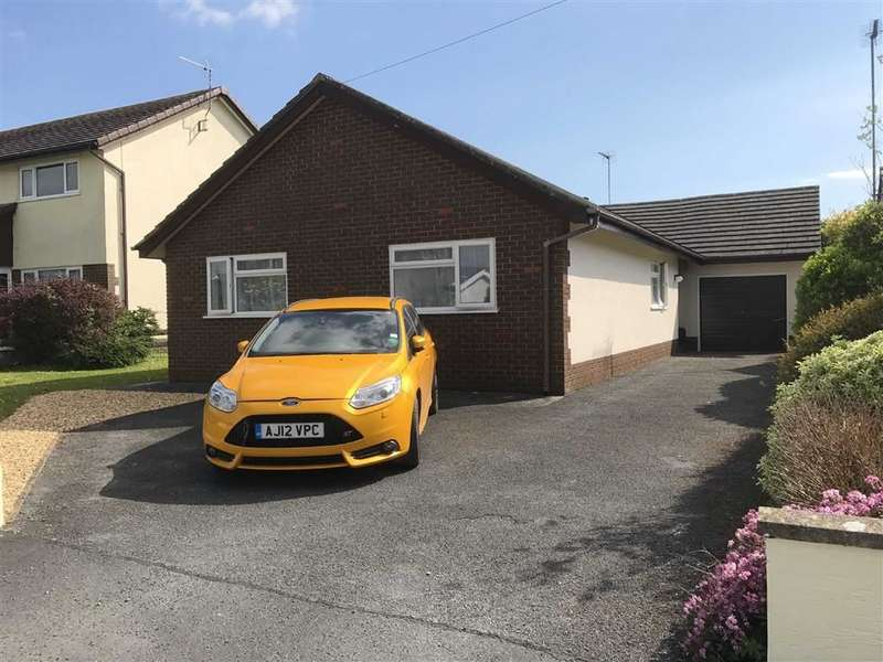 4 Bedrooms Property for sale in Upper Lamphey Road, Pembroke