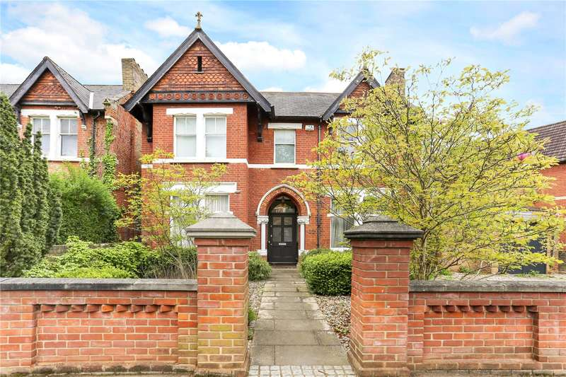 7 Bedrooms Detached House for sale in Mount Park Crescent, Ealing, W5