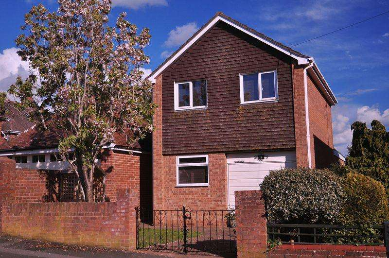 3 Bedrooms Detached House for sale in Rivermead Road, Exeter