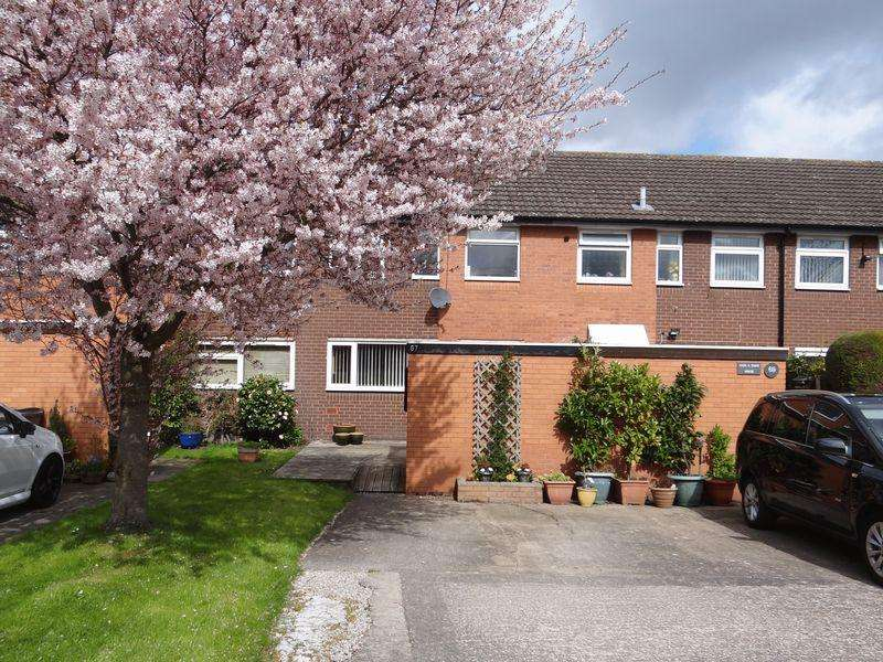 3 Bedrooms Terraced House for rent in Circular Drive, Greasby