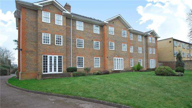 2 Bedrooms Apartment Flat for sale in Somersham, 26 Ray Park Avenue, Maidenhead