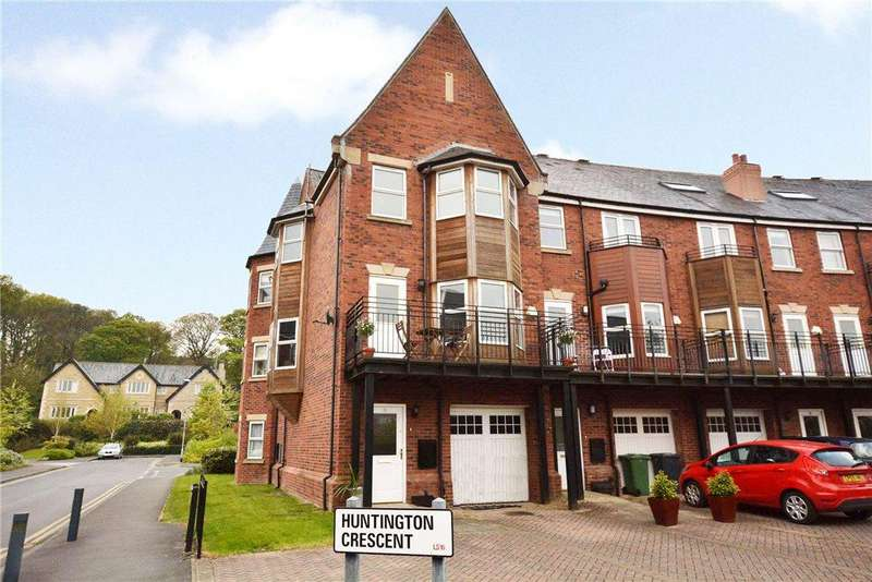 4 Bedrooms Terraced House for sale in Huntington Crescent, Far Headingley, Leeds