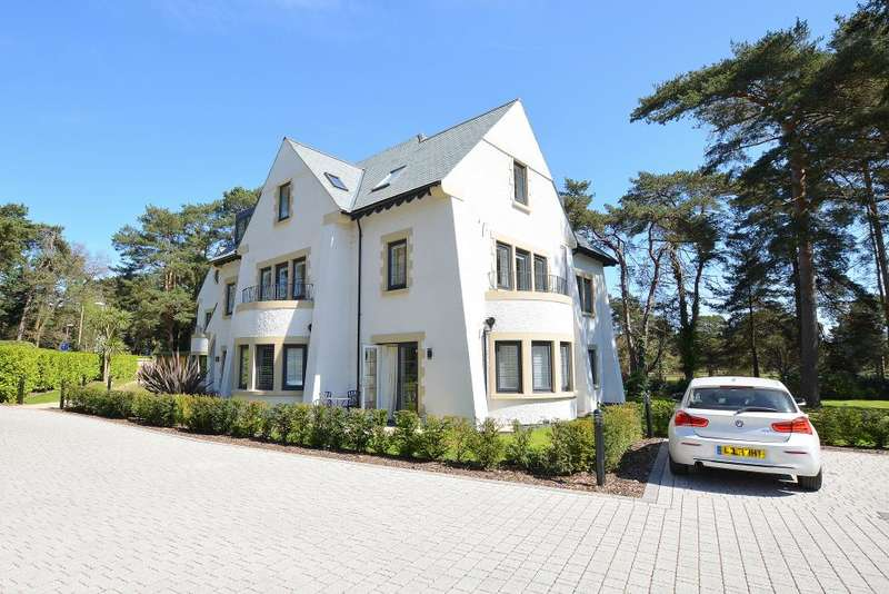 2 Bedrooms Flat for sale in Golf Links Road, Ferndown