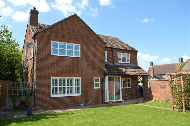 4 Bedrooms Detached House for sale in Banbury Road, Pillerton Priors, Kineton, Warwick